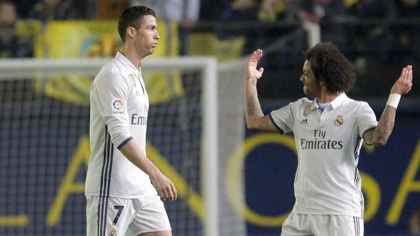 El Madrid hunde al submarino con una polémica remontada en 20 minutos (2-3)