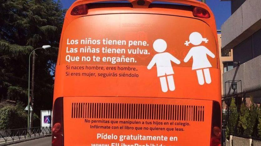 El autobús del horror ultraconservador: 'Los niños tienen pene...'