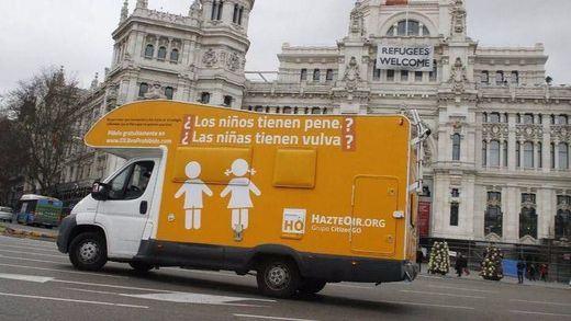 La autocaravana de Hazte Oír ha sido denunciada... aunque puede seguir circulando