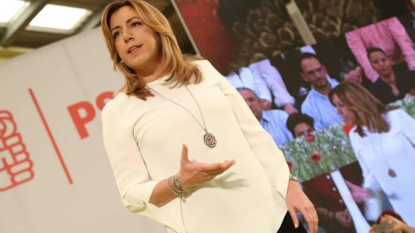 Susana Díaz sigue sin desvelar su futuro pero aprovecha para golpear el 'pasado' con Sánchez