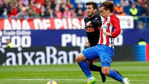 Un Atleti 'afrancesado' no suelta la cabeza de la Liga: 3-0 al Valencia