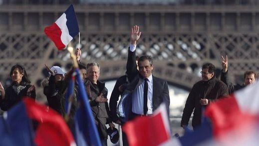 El caos de Fillon deja las elecciones francesas en manos de sólo 2 rivales: Macron y Le Pen