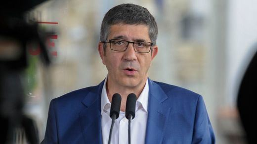 Sánchez domina las encuestas en el PSOE pero tendrá que contar con Patxi López
