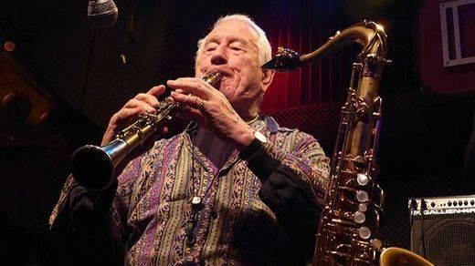 Casi 90 años del más creativo jazz: el irrepetible Pedro Iturralde vuelve a hacer el paseíllo en el Bogui (vídeo)