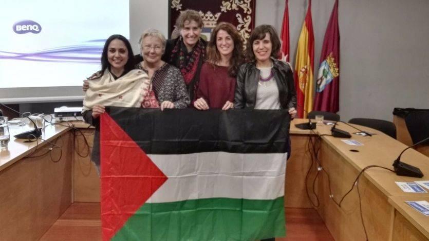 Homenaje a la resistencia de la mujer palestina en el marco del Día Internacional de la Mujer