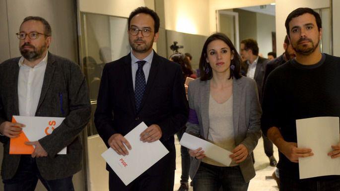 PSOE, Podemos y Ciudadanos se alían para investigar la financiación del PP