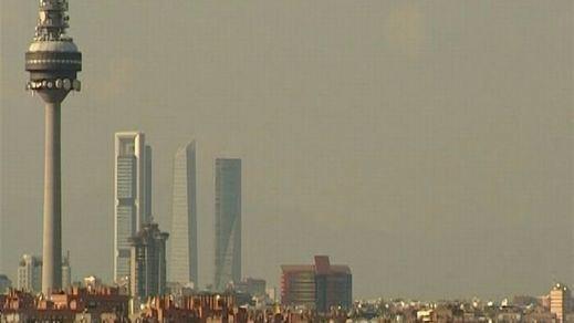 Madrid amplía el escenario de alta contaminación y este sábado prohíbe aparcar a no residentes