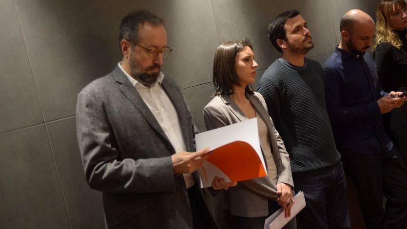 Juan Carlos Girauta (Cs), Irene Montero (Pod.) y Alberto Garzón (IU) esperan para comparecer tras registrar la comisión sobre el PP