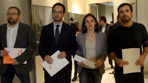 El acercamiento Podemos-Ciudadanos en pos de la regeneración política da ánimos a un país harto de enfrentamientos