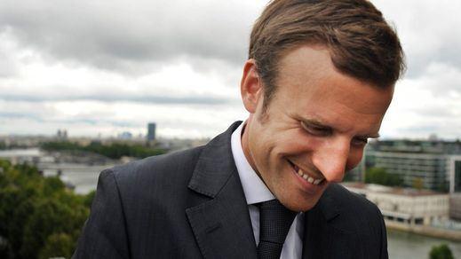 Macron consolida la primera posición en los sondeos para superar a la candidata del miedo, Le Pen