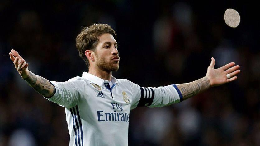 'San Ramos' vuelve a salvar al Madrid, que se pone líder tras el petardo del Barça en Coruña (2-1)