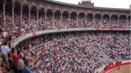 Balañá cierra cines, la Academia del Cinema Català le premió, y sigue sin abrir la plaza: todo un récord.