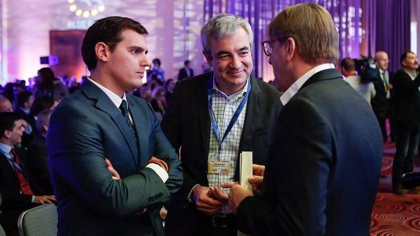 Luis Garicano y Albert Rivera junto al presidente de ALDE, Guy Verhofstadt