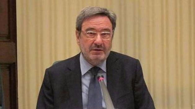 El ex ministro socialista Narcís Serra, imputado por el desastre de Catalunya Caixa