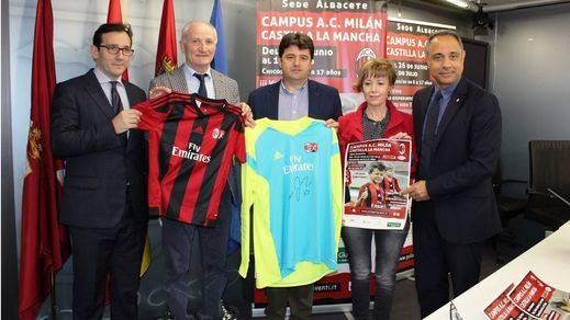 El Ayuntamiento de Albacete, con el apoyo de Globalcaja, colabora con el campus de fútbol que hará el AC Milan