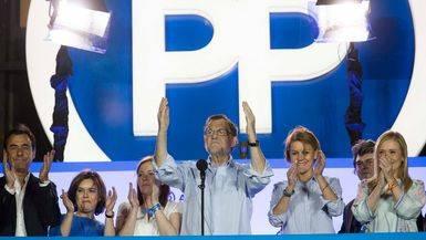 Un sondeo para la gloria de Rajoy: el PP arrasaría con unos 20 escaños más y toda la oposición baja