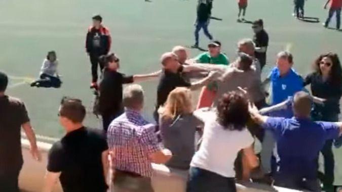 Primeras sanciones deportivas, a falta de las penales, tras la pelea entre padres de niños futbolistas en el Alaró-Collerense (vídeo)