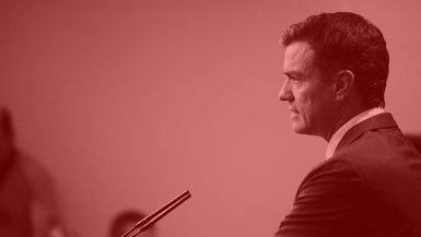 ¿De dónde saca el dinero Pedro Sánchez para financiar su campaña?: el candidato pone nervioso al PSOE