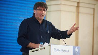 Puigdemont acusa a España de saltarse la ley para que Cataluña