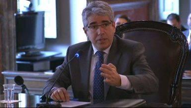 El inhabilitado Homs sigue con las puertas abiertas del Congreso por un 'despiste' del Supremo