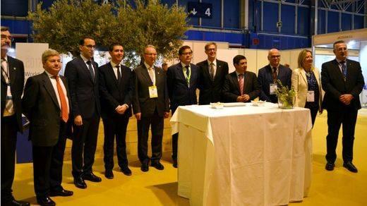 Gran expectación en la apertura del más ambicioso encuentro del aceite de oliva con 54 empresas de la región