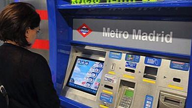 Metro de Madrid dice adiós a sus taquilleros