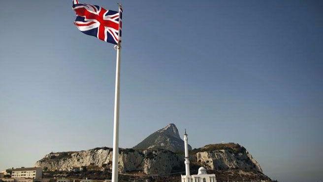 Gibraltar, de nuevo a debate gracias al Brexit: May, dispuesta 'a ir a la guerra' por el Peñón