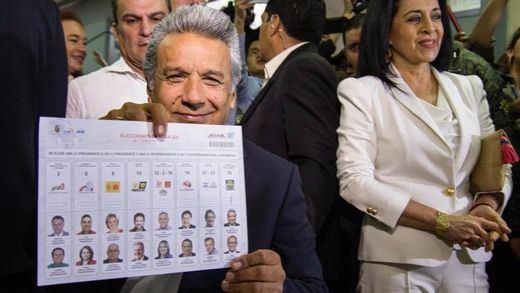 Polémica en las elecciones de Ecuador: el opositor Lasso denuncia fraude del oficialista Moreno
