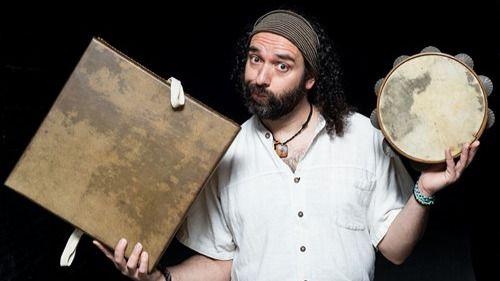 Javier Maroto nos ofrece su mejor consejo, 'Ama', cargado de la más variada música de calidad