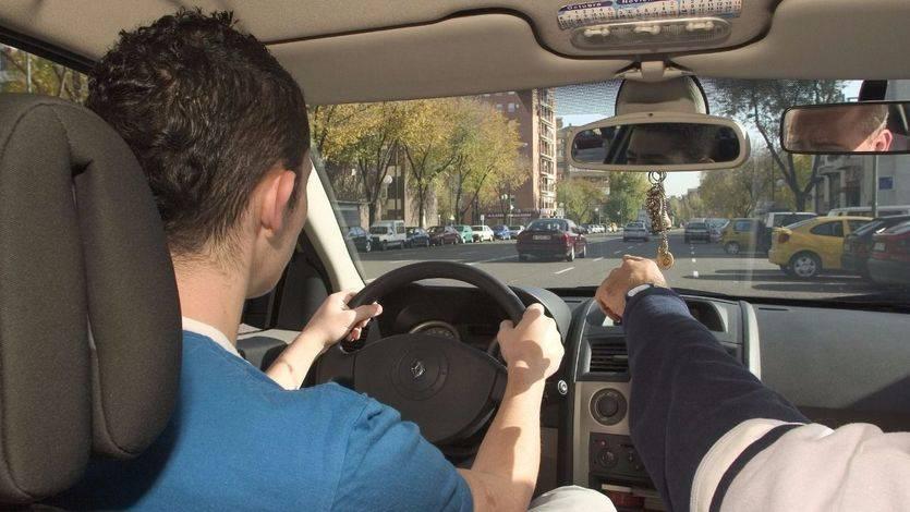 El caos de los exámenes prácticos de la DGT para conseguir el carnet de conducir