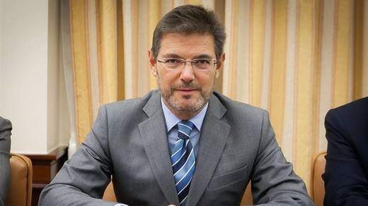 Catalá niega que haya sentencias que condenen chistes o el ejercicio de huelga