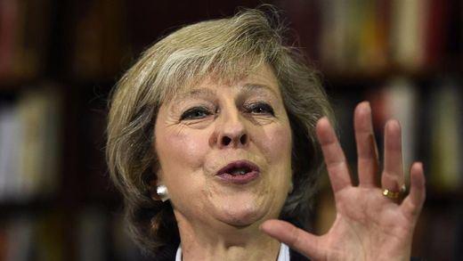 May insiste en que Reino Unido no negociará la soberanía de Gibraltar