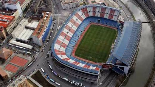 Final de leyenda y solidario para el estadio Vicente Calderón (vídeo)