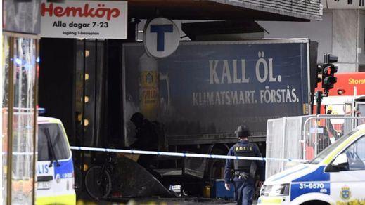 Ya hay dos detenidos, uno de ellos como presunto autor, por el atentado con un camión en Estocolmo