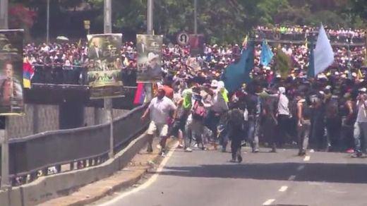 Choque entre la policía y la oposición en Venezuela