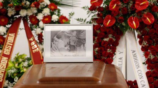 Tregua entre las familias del PSOE en el doloroso luto por Chacón