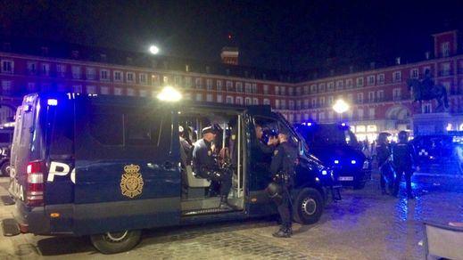 Un periodista británico culpa a la Policía de los graves incidentes en Madrid con los hinchas del Leicester