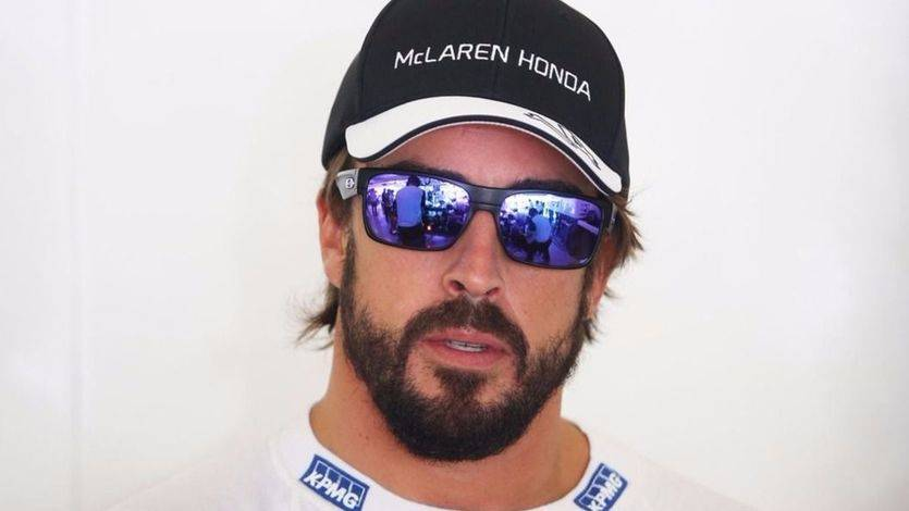 Alonso 'pasa' de su equipo de Fórmula 1 y se toma un fin de semana 'libre' con permiso de la escudería