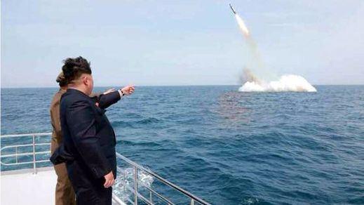 Corea del Norte lanza un misil sin éxito después de alardear de su armamento nuclear
