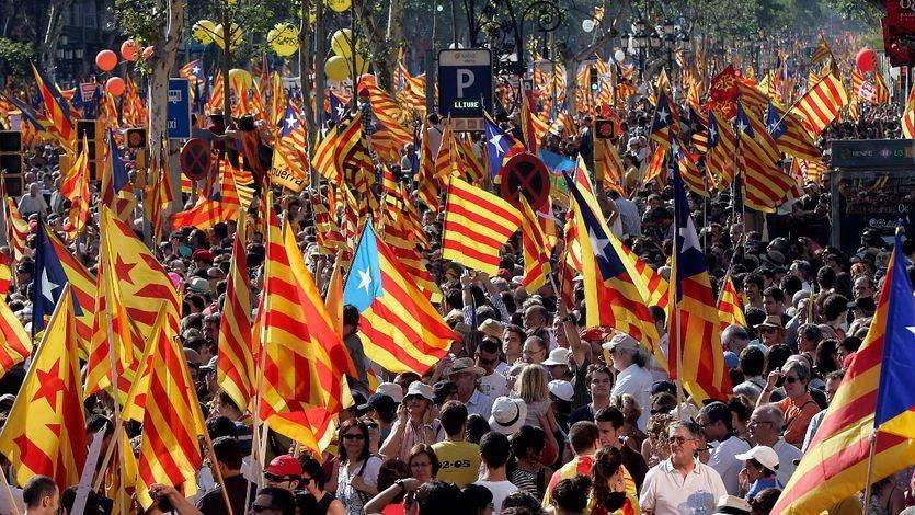 Nuevos sondeos evidencian el agotamiento de los catalanes: no quieren un referéndum unilateral