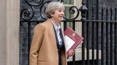 Theresa May convoca por sorpresa elecciones anticipadas en Reino Unido