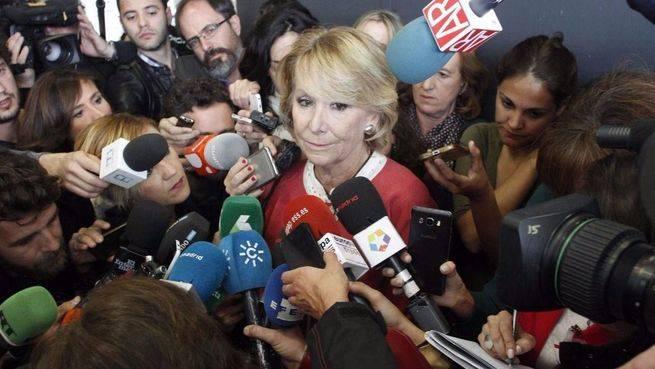 Aguirre llora a la salida del tribunal: