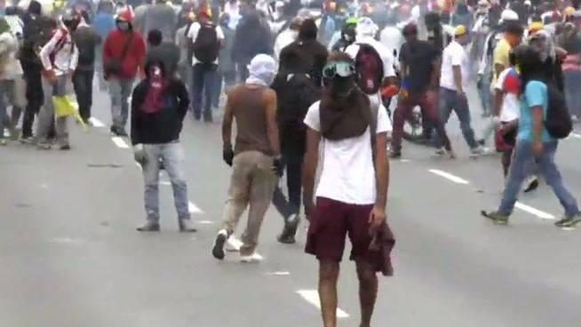 Venezuela: Miles de opositores marcharon de nuevo para exigir el fin de Maduro