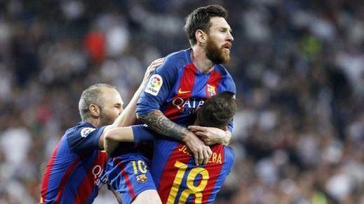 Un gran Clásico: Messi apuntilla al Madrid en el último suspiro y el Barça sigue aspirando al título (2-3)
