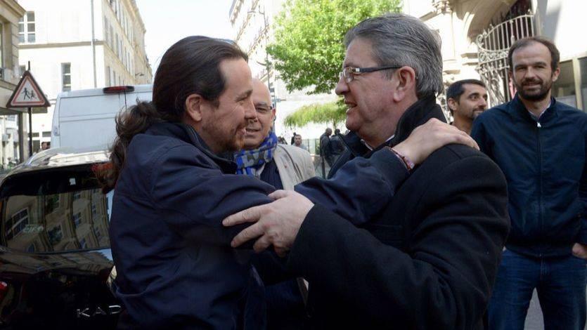 Pablo Iglesias acompaña a Jean-Luc Mélenchon durante el cierre de la campaña francesa