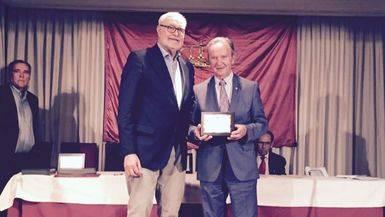 Carlos de la Sierra, presidente de Globalcaja, recibió el Premio Albacetense Distinguido que se concedió a la entidad
