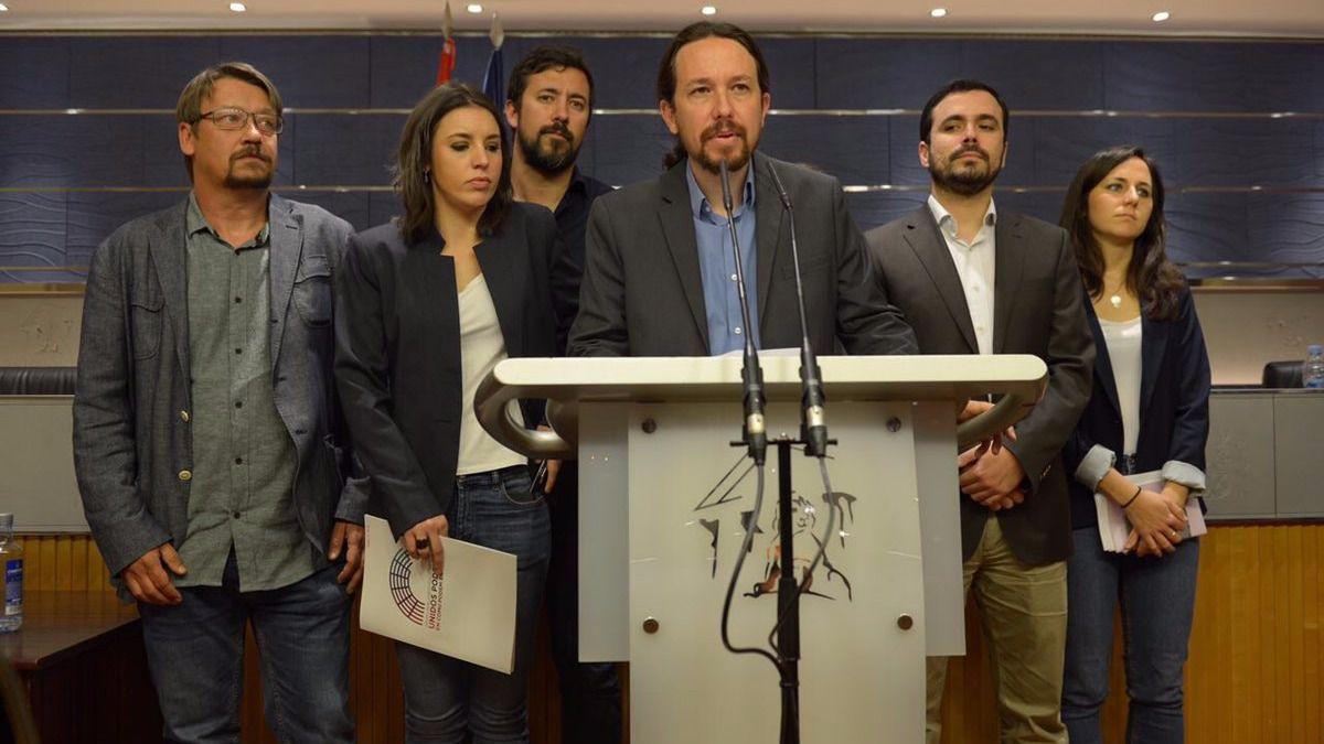 Resultado de imagen de fotos del pedido de censura de Podemos