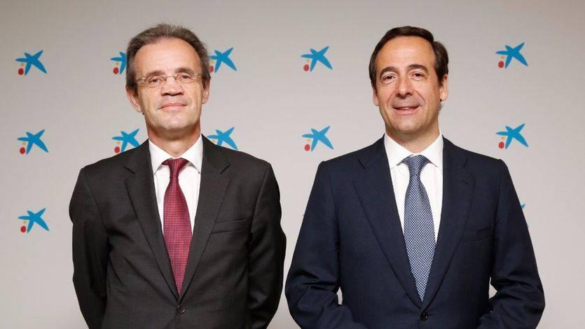 Jordi Gual, presidente de CaixaBank y Gonzalo Gortázar, consejero delegado de CaixaBank