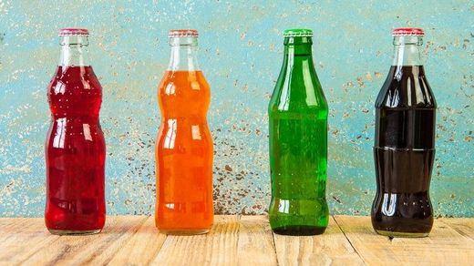 Cataluña declara la guerra a las bebidas azucaradas con una polémica subida de hasta un 50%