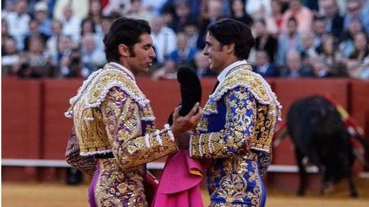 Cayetano brinda a su hermano Paquirri